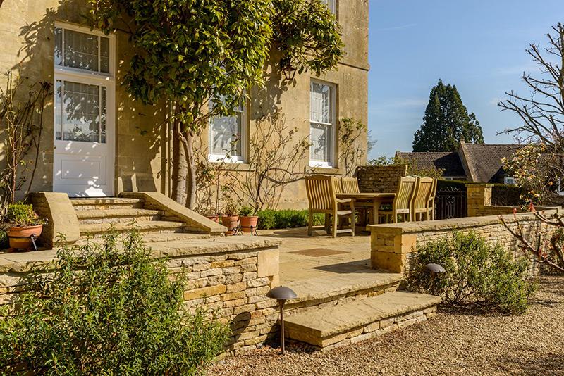 Garden landscaping by Dan Groves Contracting