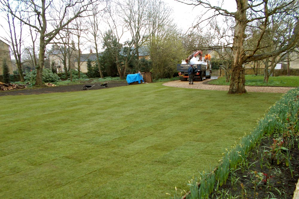 Laying a new lawn - Dan Groves Contracting
