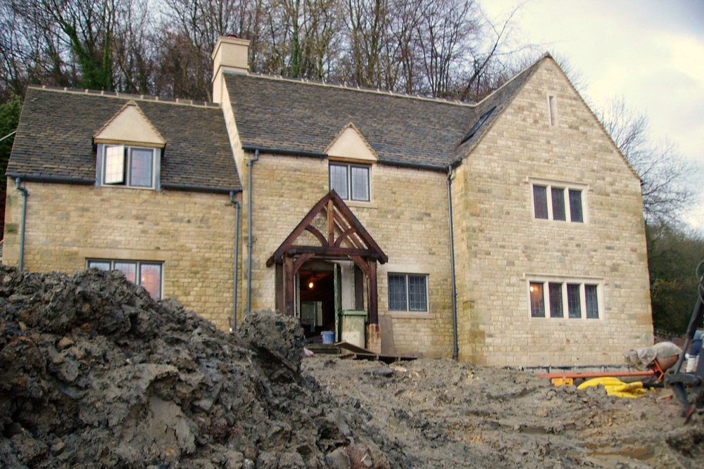 New build Cotswold stone family house