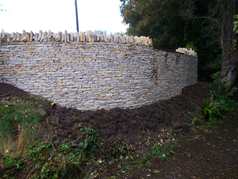 Dan Groves Contracting Curved Drystone Walling Broadwell Gloucestershire