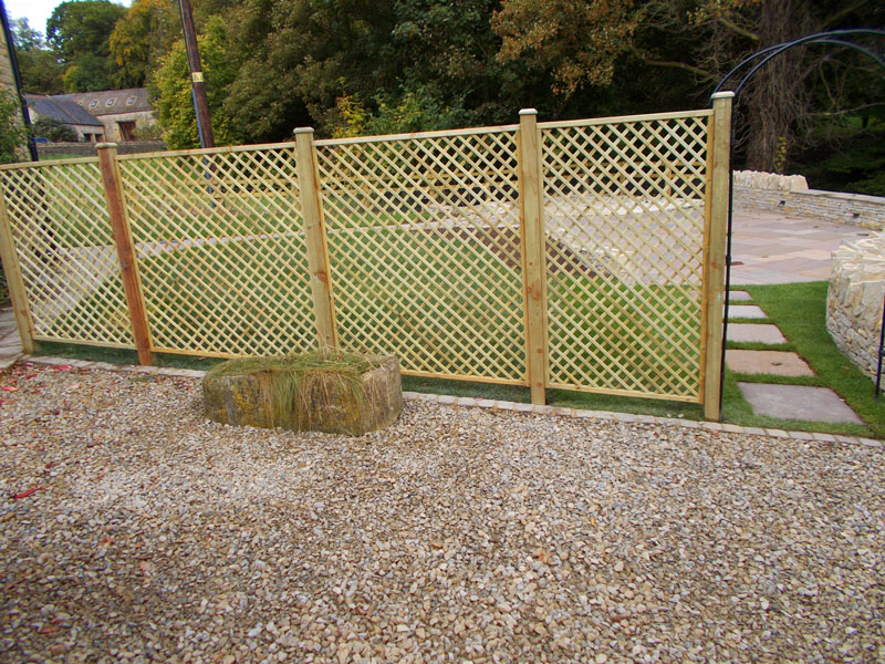 Dan Groves Contracting Trellis Fence Broadwell Gloucestershire