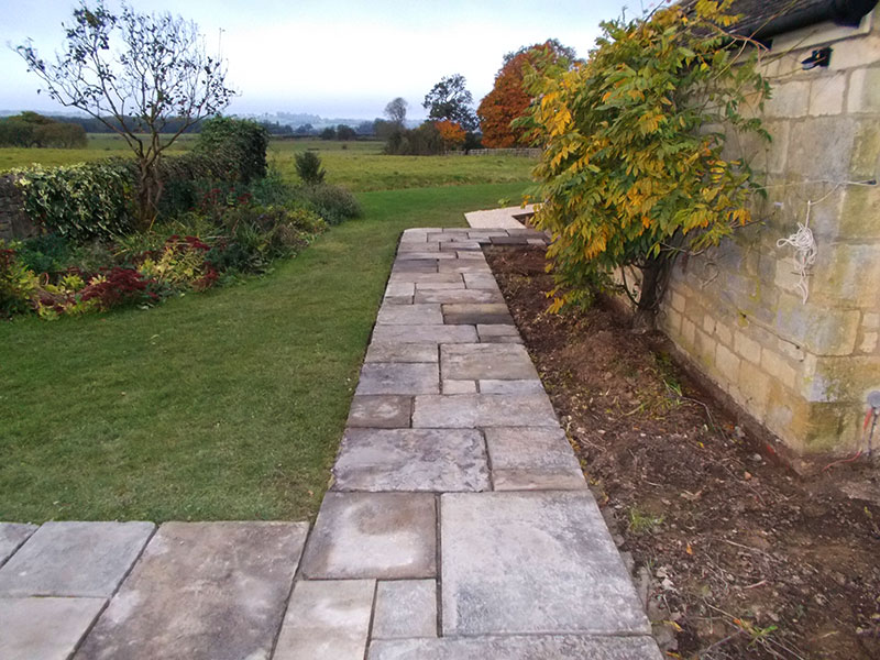 Reclaimed York Paving pathway by Dan Groves Contracting