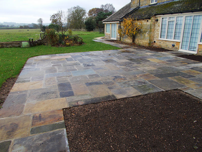 Reclaimed York Paving patio and new beds near Moreton in Marsh