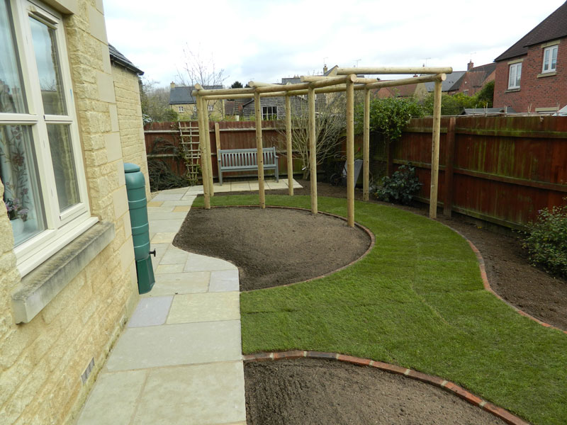 Dan-Groves-Contracting-landscaped-garden-pergola-moretone-in-marsh-03