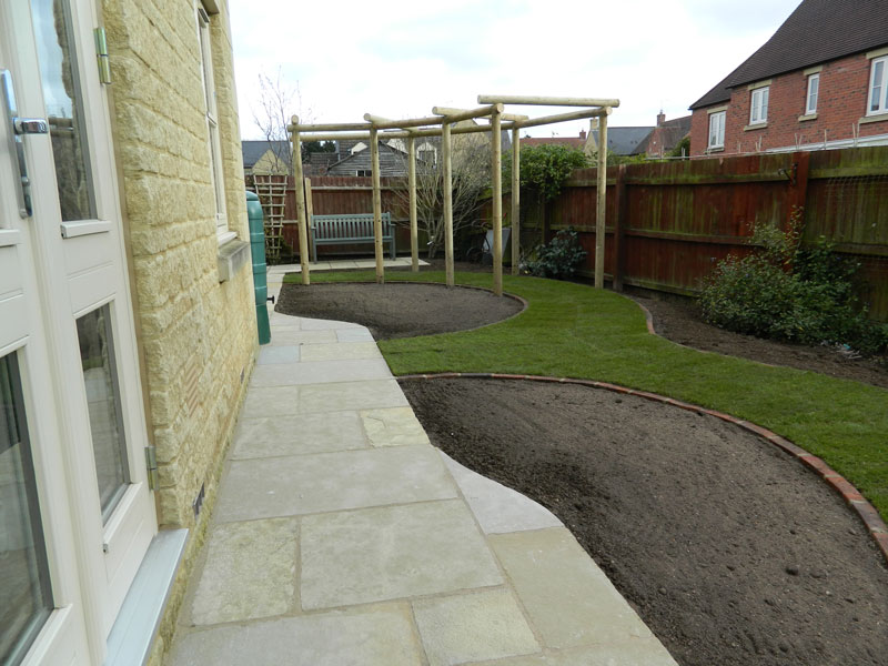 Dan-Groves-Contracting-landscaped-garden-pergola-moretone-in-marsh-09