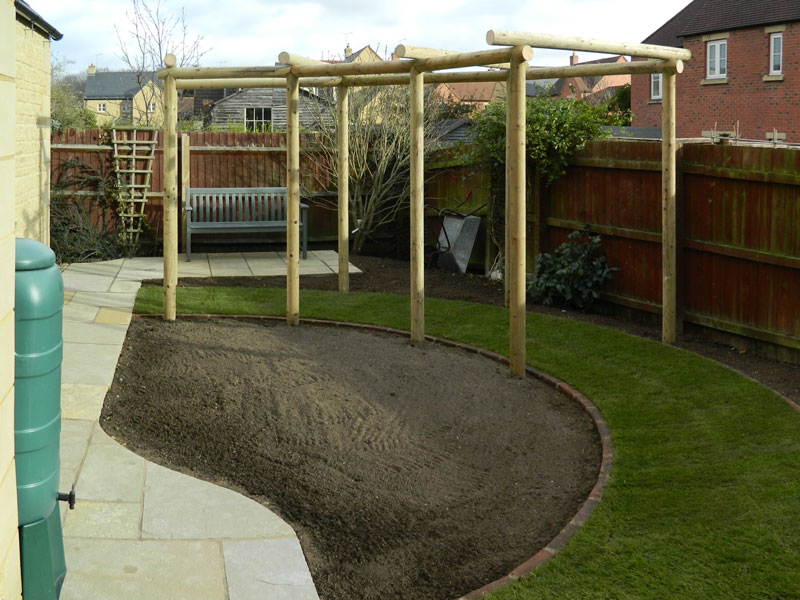 Dan-Groves-Contracting-landscaped-garden-pergola-moretone-in-marsh-10