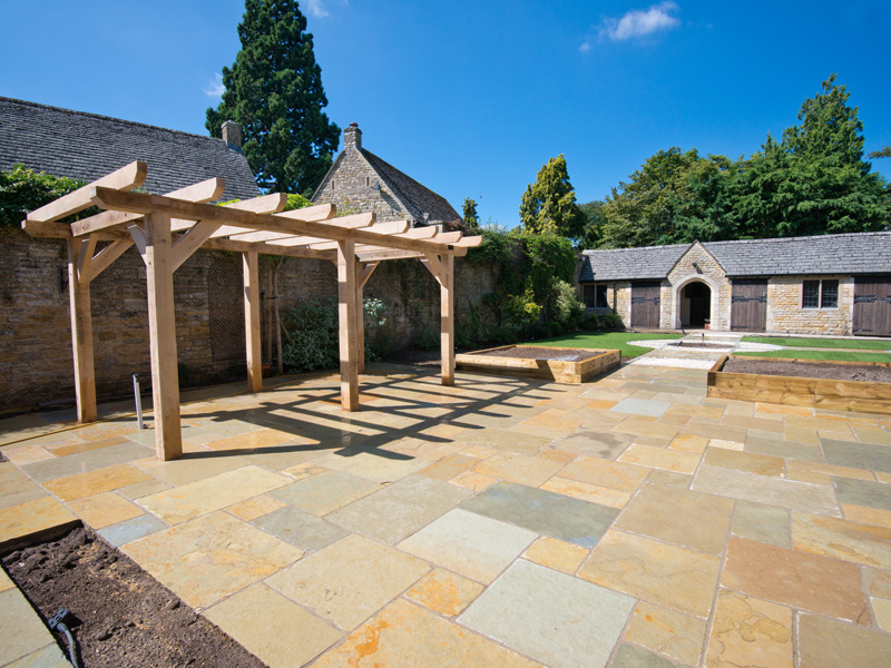 Landscaped garden in Lower Slaughter, Gloucestershire, by Dan Groves Contracting